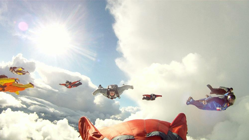 Wingsuit flock cloud